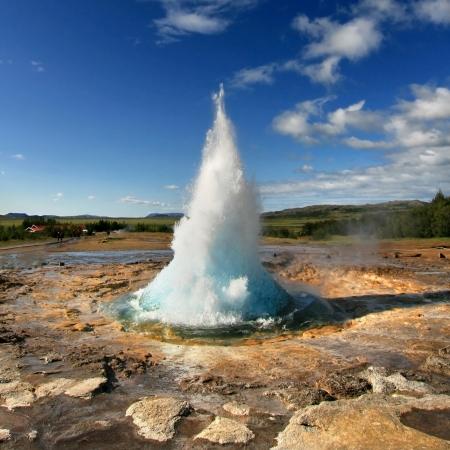 ゲイシール地区、アイスランドの間欠泉ストロックル噴火