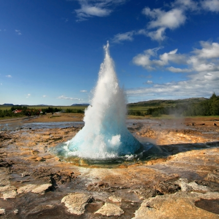 Geyser Strokkur eruption in the Geysir area, Iceland  Фото со стока
