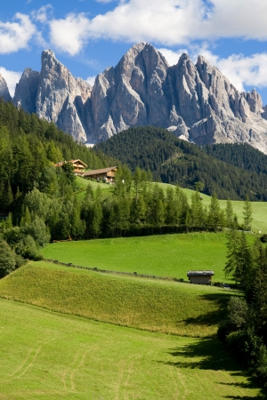 sudtirol: Peaks of the Odle-Geisler Group in South Tyrol, Italy  Stock Photo