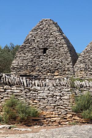 luberon: Dry stone hut Gordes, Luberon, Provence, France