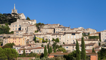 the luberon: Village of Bonnieux in the Luberon, Provence, France