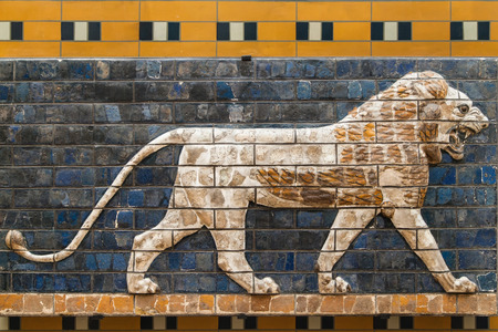 babylonian: Mosaic of a Lion on the Ishtar Gate, Istanbul, Turkey. Stock Photo