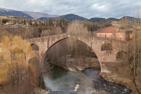 sant joan de les abadesses: Pont Vell in Sant Joan de les Abadesses, Girona province, Catalonia. Stock Photo