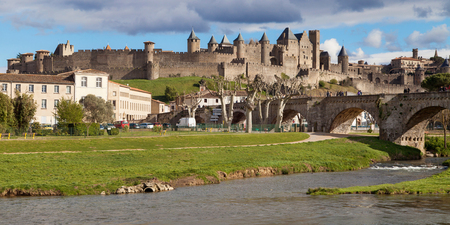 amurallados: Panorama of the Medieval walled city of Carcassonne, Languedoc-Roussillon, France. Editorial