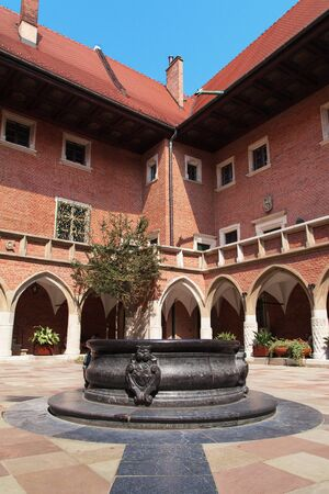 collegium: Courtyard of the Collegium Maius in Krakow, Poland.