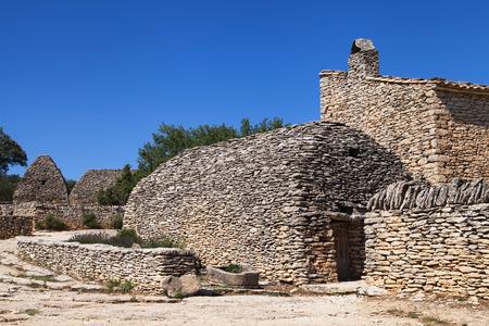 luberon: Stone huts near Gordes, Luberon, France. Stock Photo