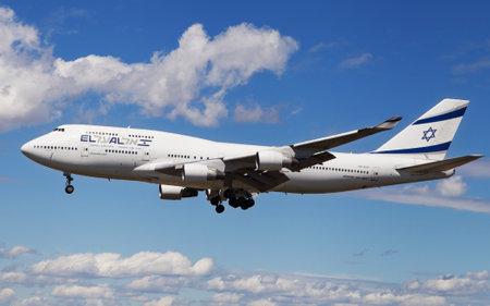 boeing 747: Barcelona, Spain - April 17, 2016: An El AL Israel Airlines Boeing 747 landing at El Prat Airport in Barcelona, Spain.