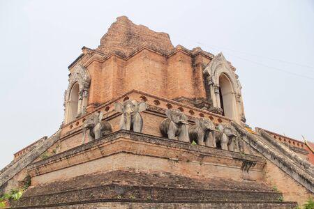 workmanship: Chedi Luang Temple