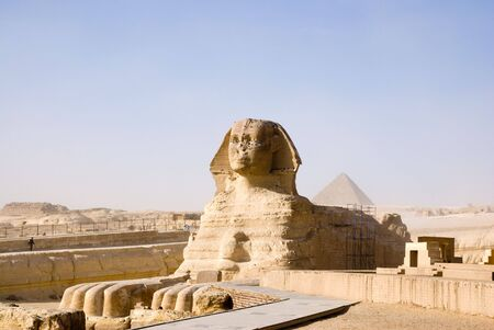 sphinx and pyramid photo
