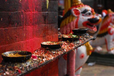 hinduism: Candelabros del hinduismo en Nepal