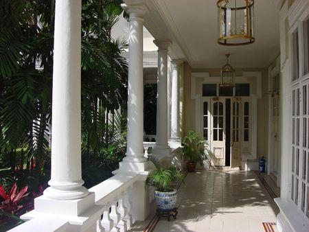 casa colonial: Un balc�n exterior en una famosa casa colonial en Malasia