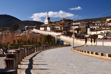 potala: the famous temple in shangri-la , yunnan , china Stock Photo