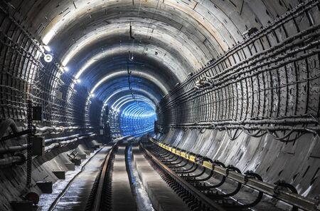 新地下鉄トンネル