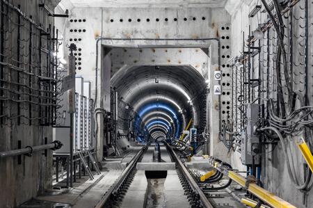 モスクワの地下鉄のトンネルの建設 写真素材 - 47493417