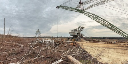 sand pit: Felling forests near the sand pit. Technology for the development of career
