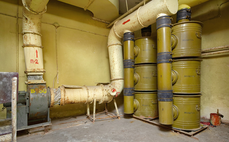 Air filtration system from chemical threats installed in a bomb shelter