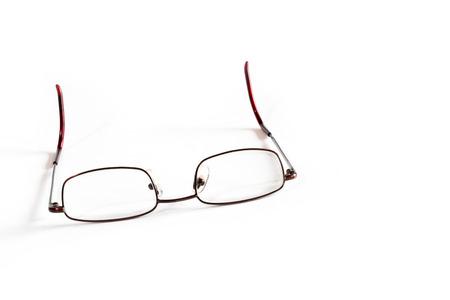 hyperopia: Occhiali da lettura generiche su sfondo bianco