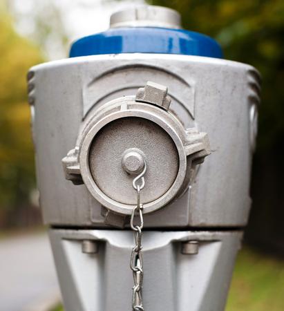 borne fontaine: Hydrant moderne. Ext�rieur. Fermer.
