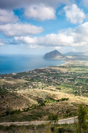 Beautiful panoramic view of medieval fortress in Cala Marina, harbor in coastal city Castellammare del Golfo, Sicily, Italy. Spectacular inspirational vertical image. Banco de Imagens