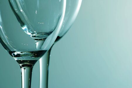 liquidate: Glasses of wine