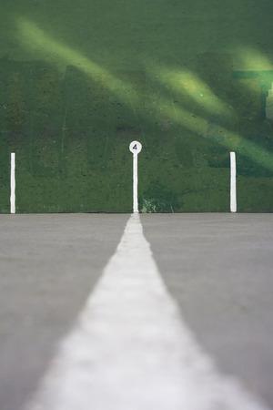 racquetball: pared verde, con secciones para front�n Foto de archivo