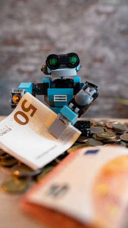 Robo-Advisor manages assets. Digital asset managers make classic financial advisors useless. Investing money through robots.