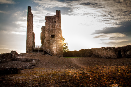 Beautiful sunburst on an autumn day on Brough Castle ruins in Cumbria, England UK. Zdjęcie Seryjne