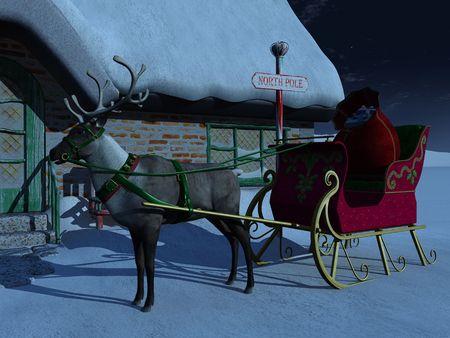 papa noel trineo: Un Reno con trineo espera fuera de la casa de Santa Claus una noche estrellada. Hay una gran bolsa de regalos de Navidad en el trineo.  Foto de archivo