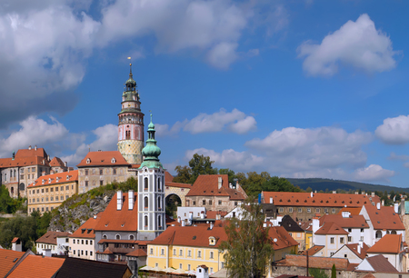 Panorama of town Cesky Krumlov with Castle Tower and Saint Vitus Church. South Bohemia, Czech Republic. 新聞圖片