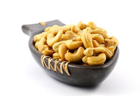 anacardo: nueces de anacardo saladas servido en un plato  Foto de archivo
