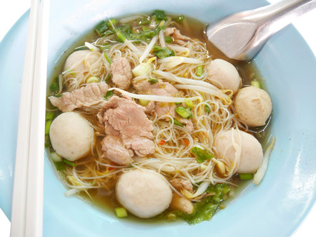 beansprouts: Noodle soup with beef and meatballs