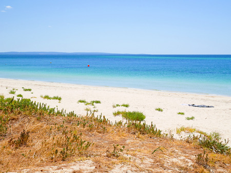 busselton: Busselton beach in Western Australia on a sunny day in summer