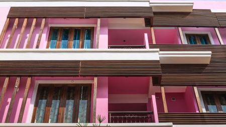 stay nice: Ventanas y balcones de condominio.