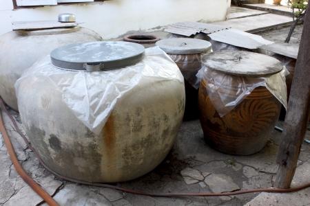 earthen: Grande vaso di terra acqua