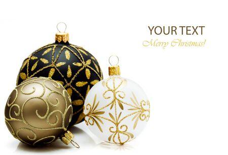 Karácsonyi labdák fehér háttérrel. Stock fotó