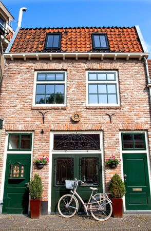 suburbs: House in the suburbs of Holland