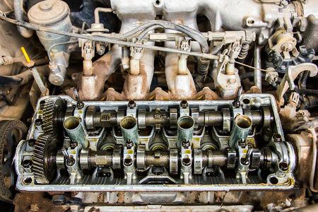 pistones: Las piezas del motor de encabezados pistones
