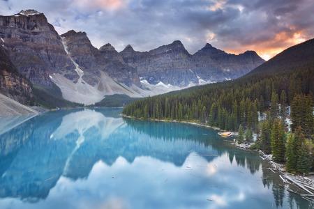 banff national park: Beautiful Moraine Lake in Banff National Park, Canada. Photographed at sunrise.