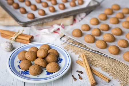 speculaas: Homemade pepernoten or kruidnoten, a Dutch delicacy for Dutch holiday Sinterklaas. Stock Photo