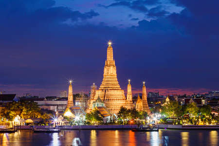 temple tower: Wat Arun Temple in bangkok thailand in twilight.