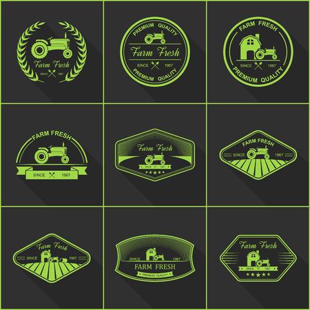 logo de comida: Conjunto de etiquetas retro frescos de granja, vector