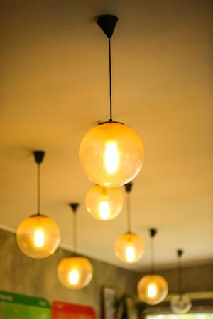 arredamento classico: belle lampade da terra alti