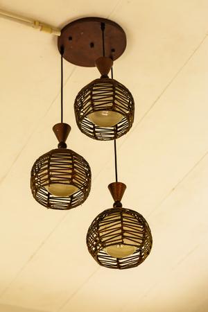 wicker: Antigua lámpara de mimbre