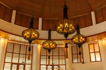 classic light bulb: BANGSAEN ,THAILAND – DECEMBER 4  : The View of vintage lamp decorative in the Lobby at  The Tide Resort in Bangsaen ,Thailand on December 4, 2015