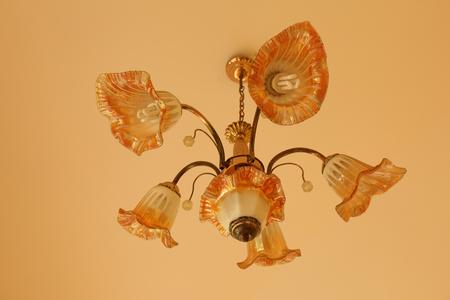 arredamento classico: bella lampada da terra alto