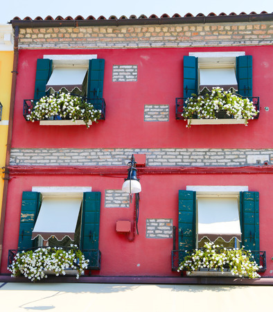 case colorate: Colorful houses on the island burano italy Archivio Fotografico