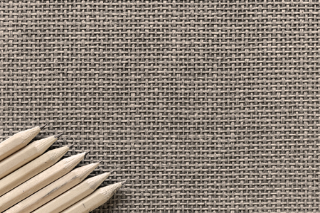 Wooden Pencils Isolated On Knitted Background Banque d'images - 108409530