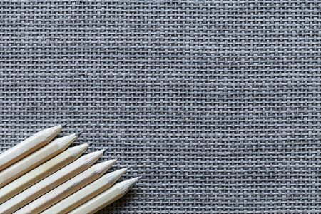 Wooden Pencils Isolated On Knitted Background Banque d'images - 108409529