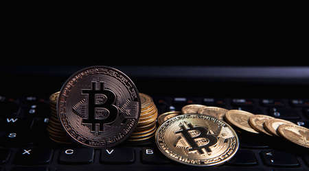 keyboard and bitcoin 免版税图像