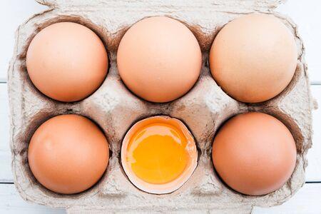 Bio Hühnereier vom Bauernhof Standard-Bild